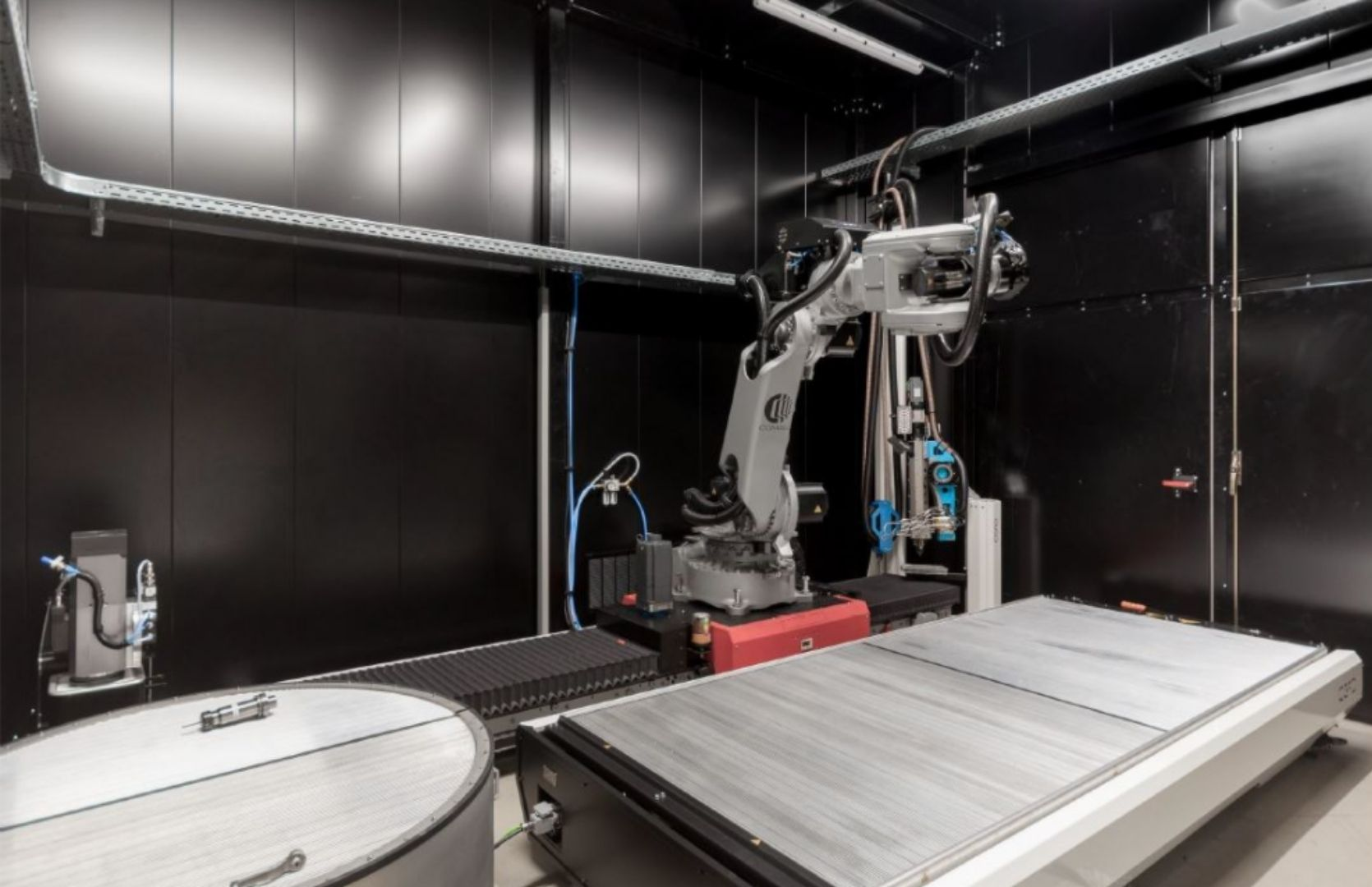 AM Flexbot including CNC milling, DFC and increased build volume